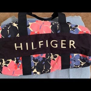 Tommy Hilfiger floral duffel bag